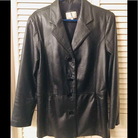 4613540cd37 Women s leather jacket excellent condition